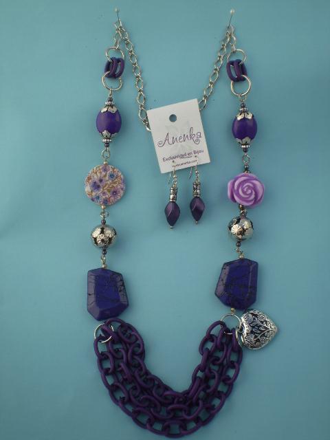 Collar violeta