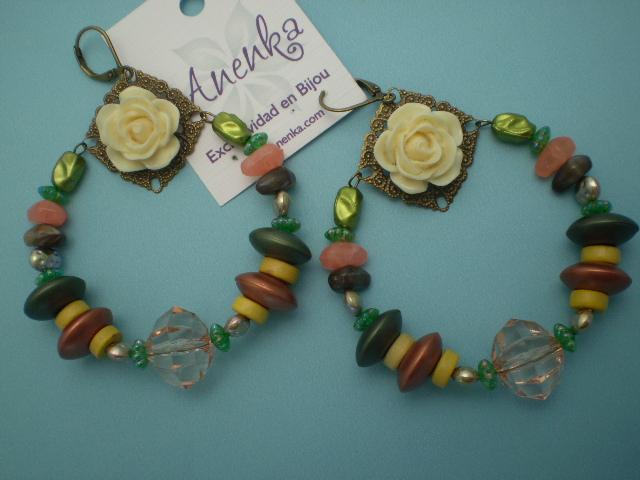 Aros argolla multicolores con filigrana y rosas