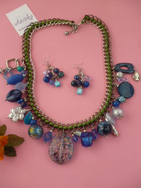 Conjunto de collar corto en azules