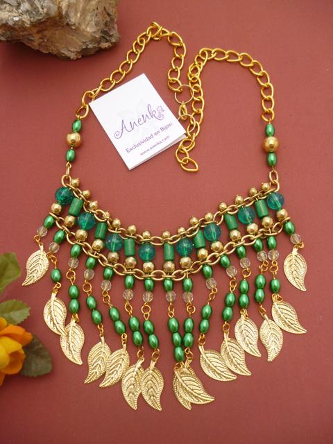 Collar estilo Cleopatra