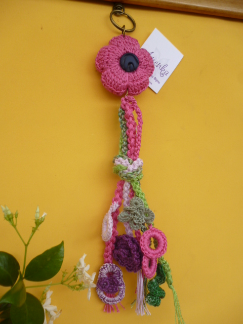 Llavero bijou al crochet