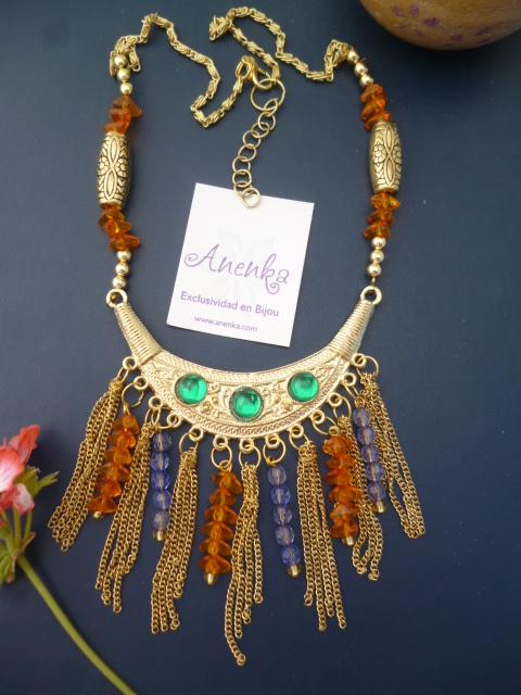 La moda del dorado con un toque oriental