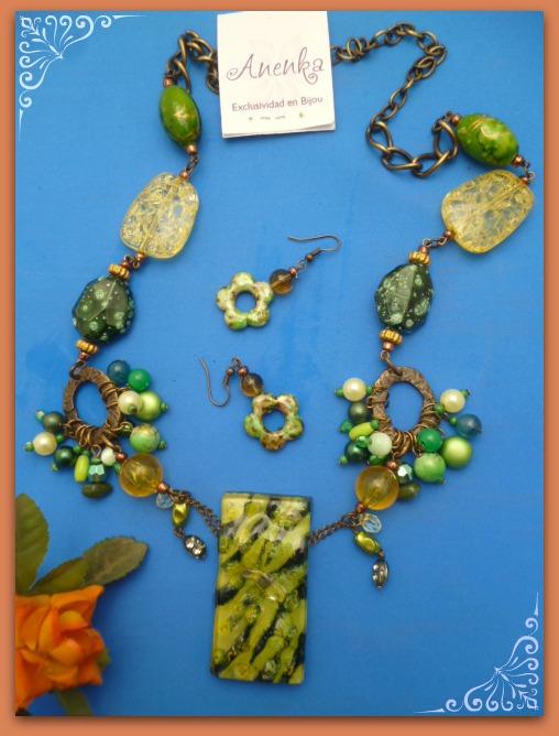 Diversidad de verdes en el collar corto